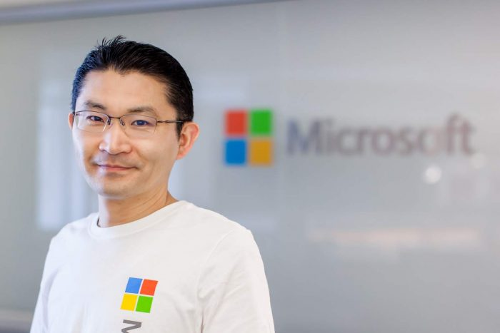 Microsoft Corporation Senior Product Manager and WW Business Lead for Microsoft Azure Open Source, Cloud Marketing Field Strategy unit 石坂 誠